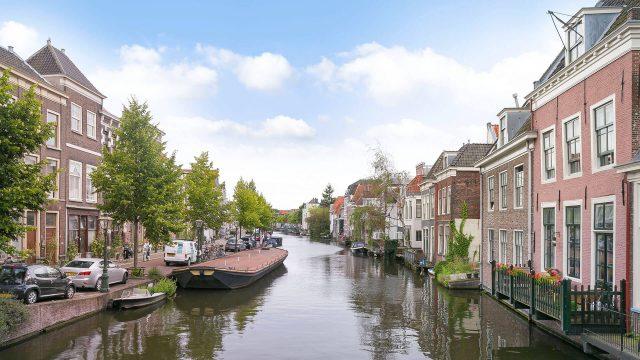 De makelaars van Leiden